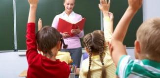 Öğretmen Sevgiliye Alınabilecek Hediyeler Ve En İyi Öneriler