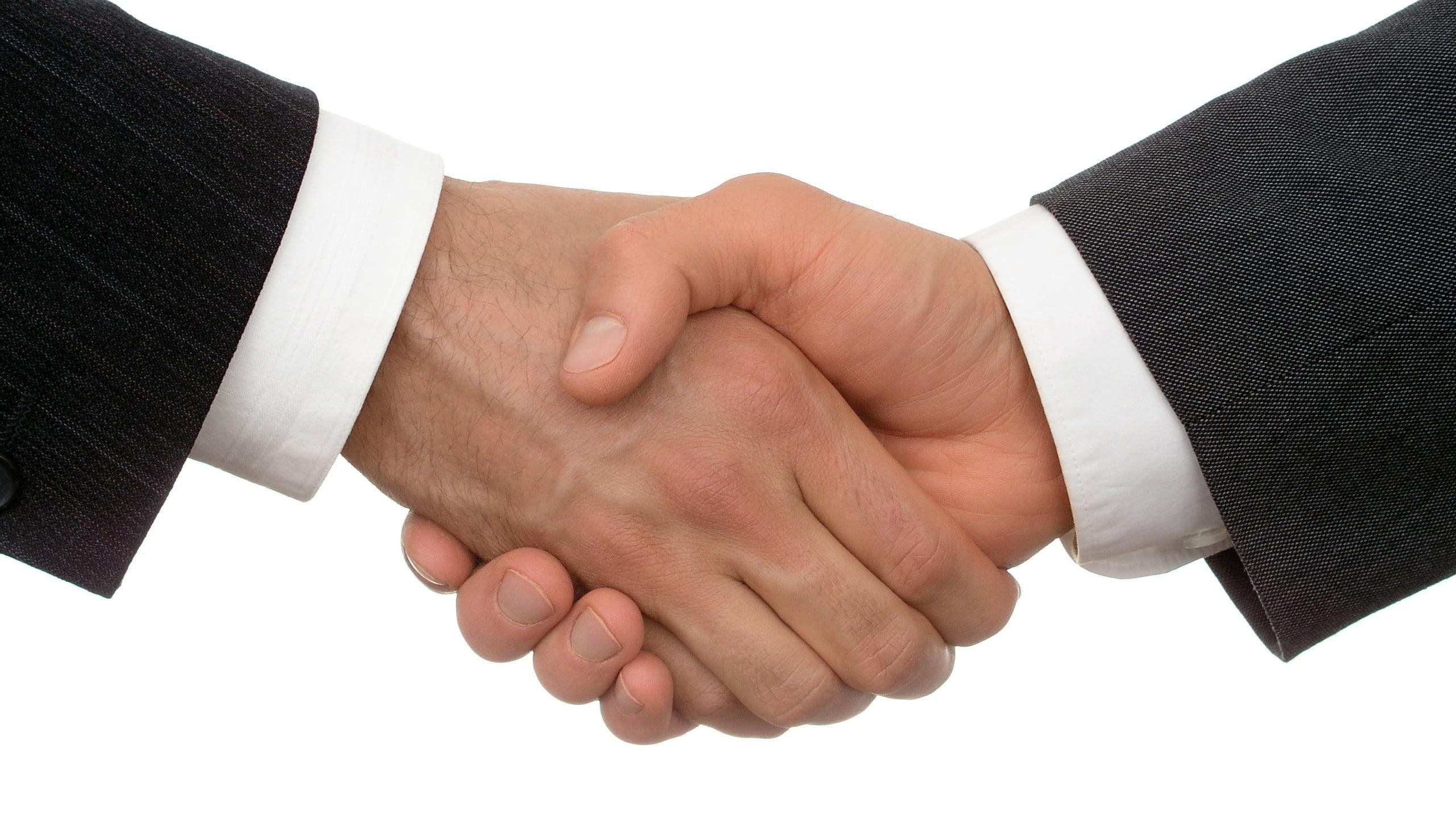 Yeni İş Kurmuş Birine Alınabilecek İşyeri Hediyeleri