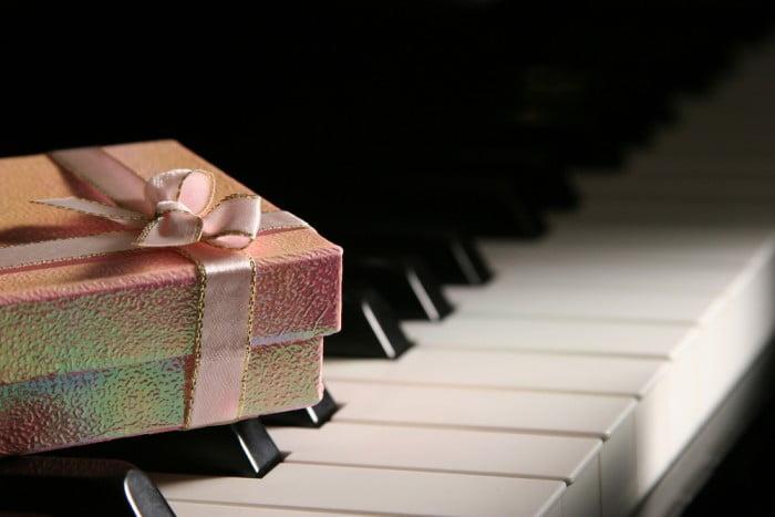 Müziksever Arkadaşa Alınabilecek En Güzel Hediyeler