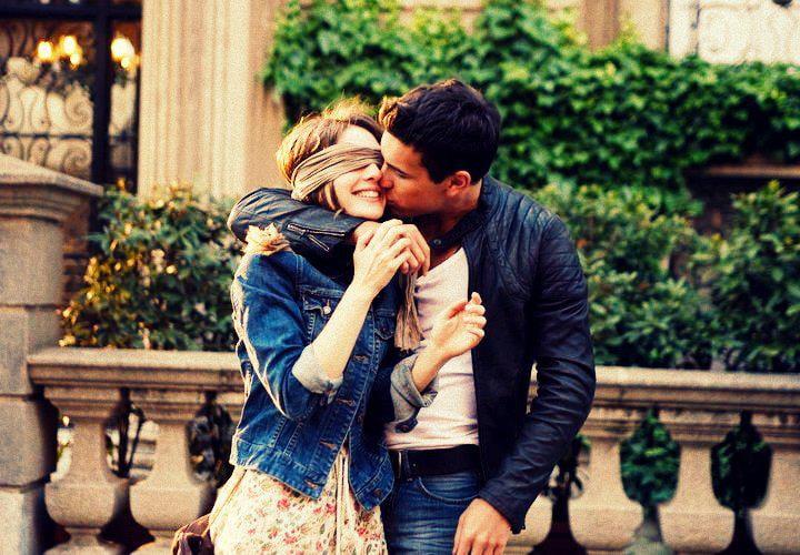 Sevgiliye Güzel Mesajlar Atabilmenin En Güzel Sırrı