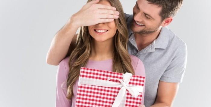 Özel Günlerde Sevdiğiniz Bayanlara Hediye Ne Alınır?