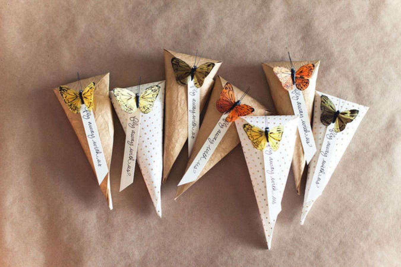 El yapımı kelebekli hediye kutusu