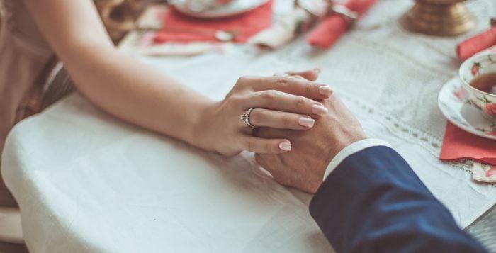 Sizler İçin Seçtiğimiz En İyi 24 Evlilik Yıldönümü Mesajları