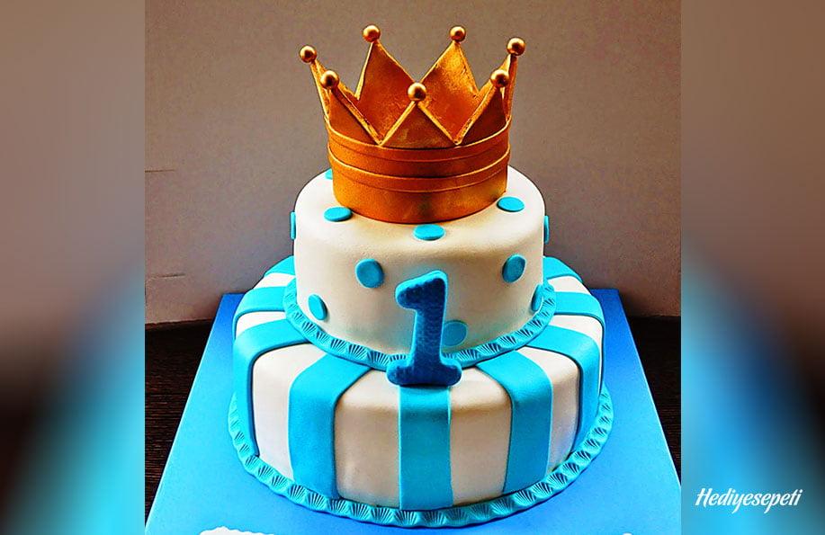 Bir yaş doğum günü pastası