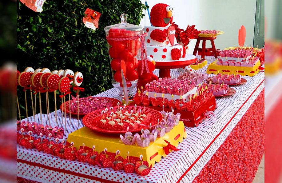 Kırmızı Doğum Günü Konsepti